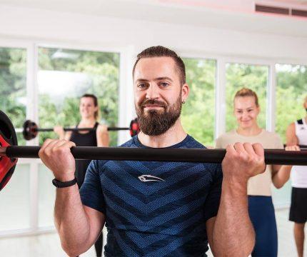 Fitness Gruppe Gewichtheben